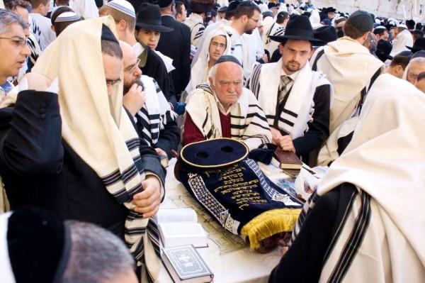 Passover-Western Wall-Torah-Tallit-men