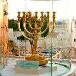 Golden-Menorah