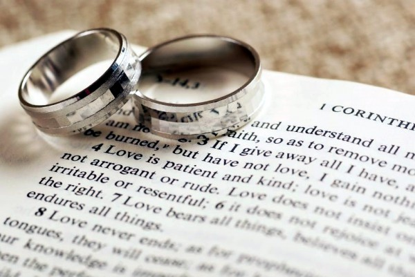 1-Corinthians-13 Wedding Rings and Bible