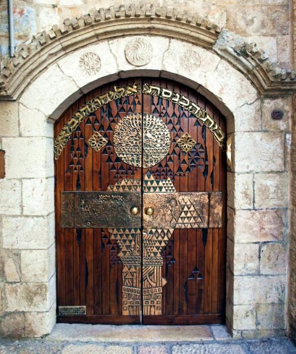 synagogue-doors