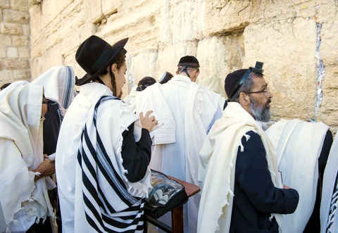 Jewish-praying-wall