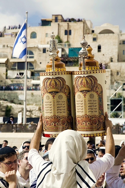 Torah-Scrolls-Ten Commandments