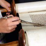 Torah-Sefer-Shabbat-yad