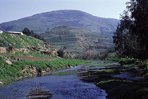Tulul-adh-Dhahab-Jabbok-spring