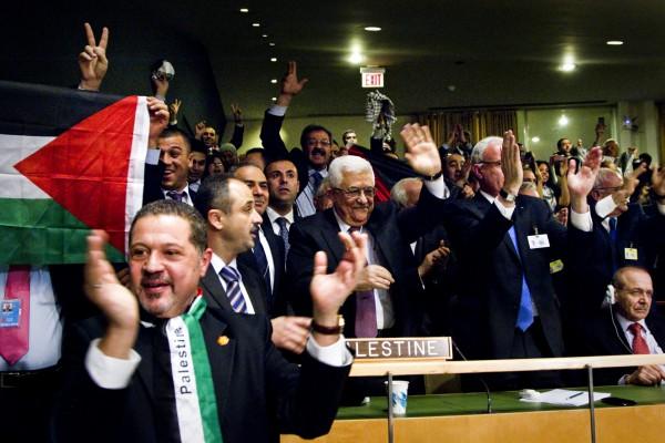 Abbas-celebrate-UN vote