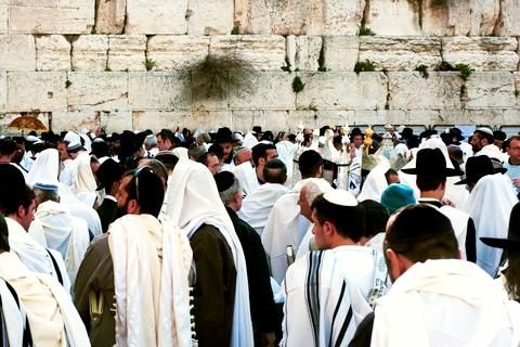 Kotel-Passover-Tallit
