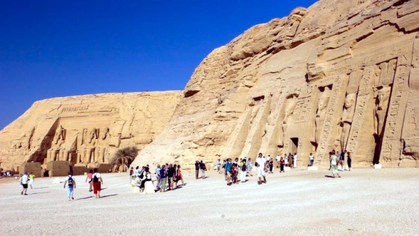 Abu-Simbel-Egypt-temple-Rames II