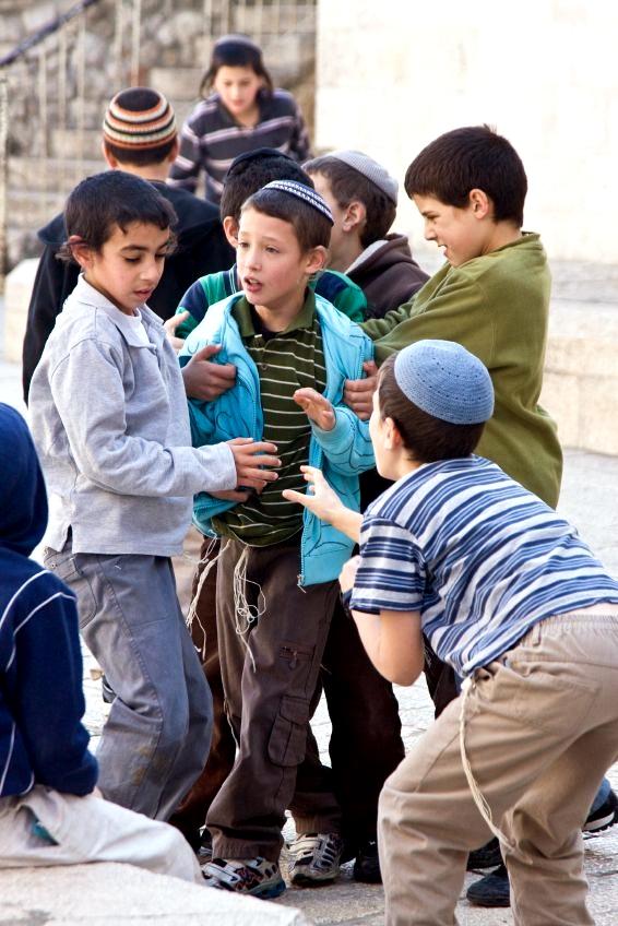 Children-playing-street-old-Jerusalem