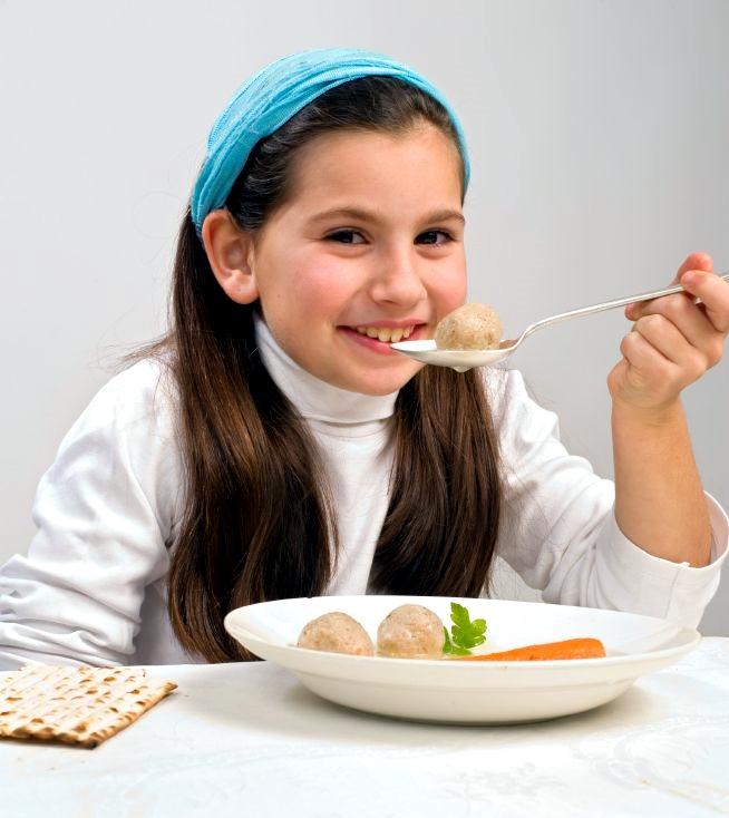 Matzah-Ball-soup-Jewish-girl