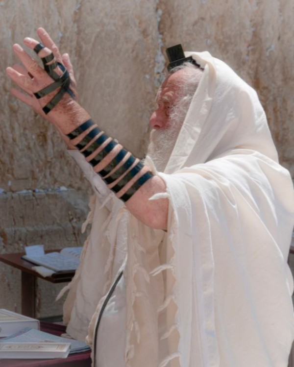 Jerusalem-morning-prayer-tefillin