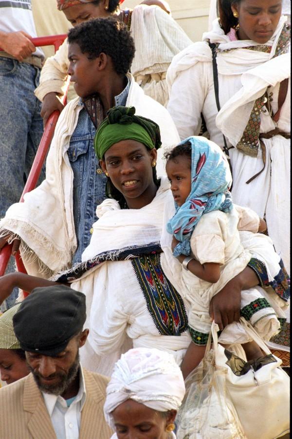 GPO-Ethiopians-immigrants-jet