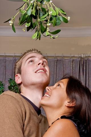 mistletoe-kissing-Druid origins