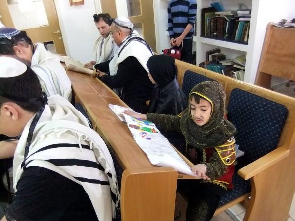 child-Purim-costume-Esther-synagogue-Ofra-Israel