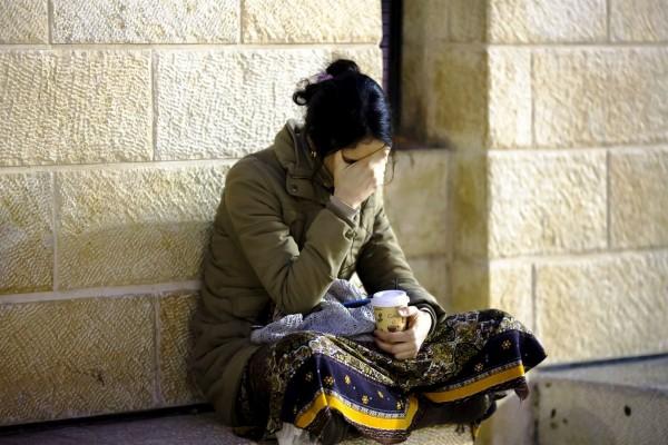 woman-prays
