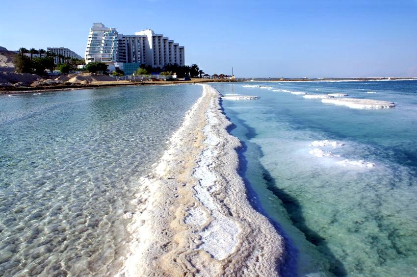 Dead Sea-salt formation_resort