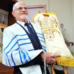 carrying-the-Torah