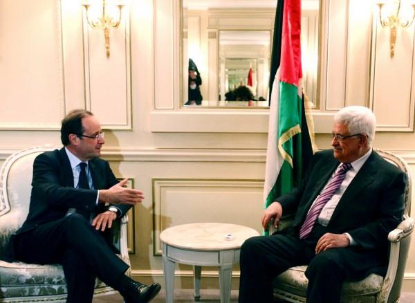 Francois Hollande and Mahmoud Abbas