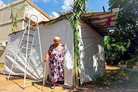 Israeli-senior-sukkah