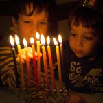 Children-light-chanukah-menorah