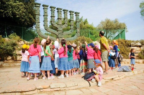 knesset-children-menorah-education-bronze