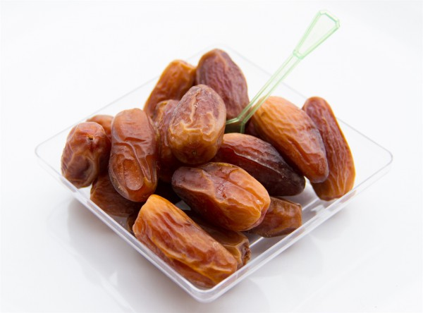 a bowl of dates-cardiac health