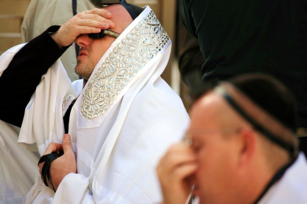 Kotel-Holy Land-prayer
