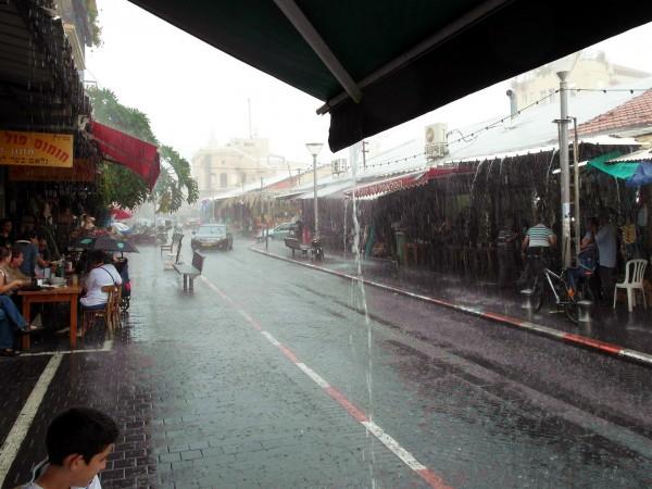 A short but heavy downpour in the Jaffa flea market.