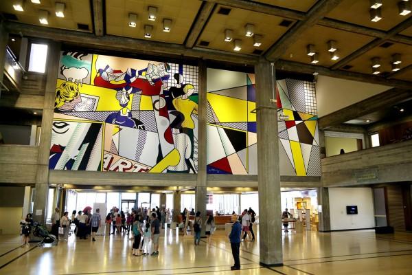 Roy Lichtenstein mural at the Tel Aviv Museum of Art