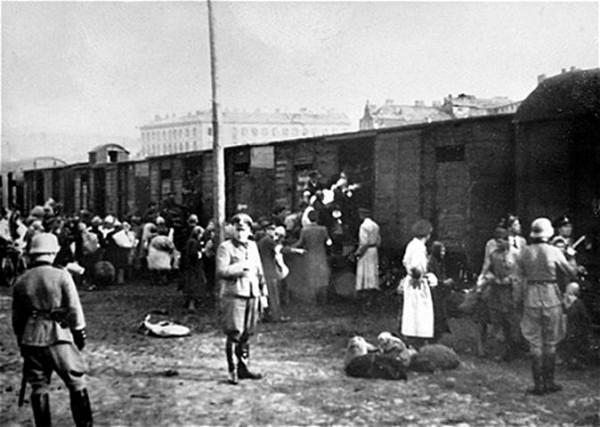 Holocaust-Warsaw-Nazis