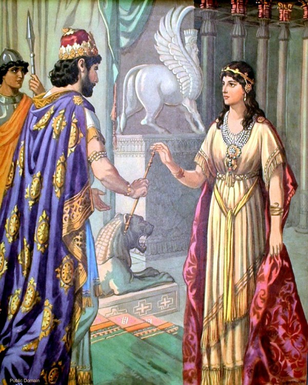 Esther comes before the king_women of valor