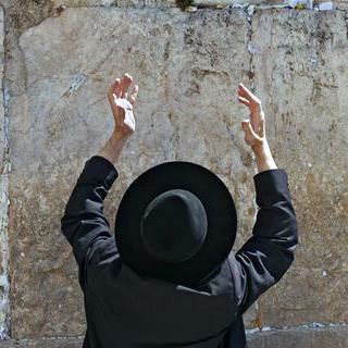 Orthodox Jewish man, western wall, worship