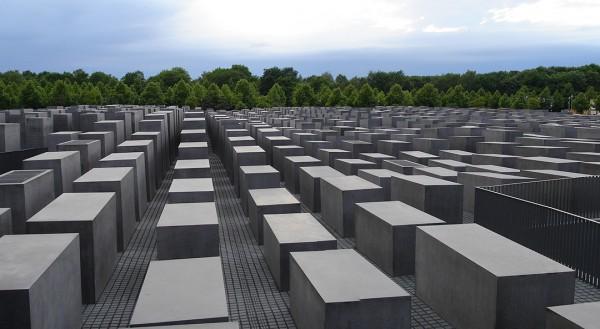 Berlin's memorial to the Jews, Berlin Holocaust Memorial